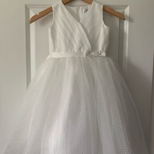 Flower girl/ communion dress size 6 us angels
